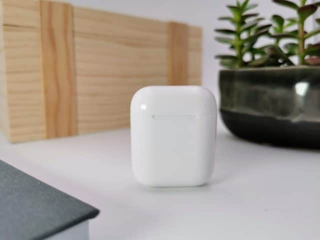 I12 TWS Review: How good is the cheap AirPod clone?